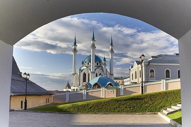 Mengenal Keunikan Dua Masjid Agung di Batam